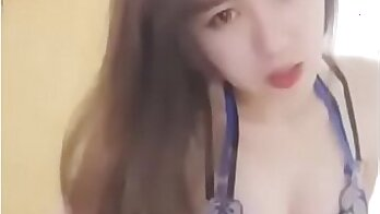 chinese lady stripping for the chat