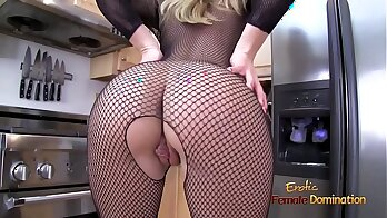 Blonde milf in stockings entertaining with fucker