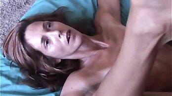Mature Babe Dominee Ivanka Fucked Upskirt
