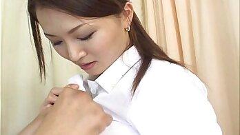 Mature Japanese babe deepthroated