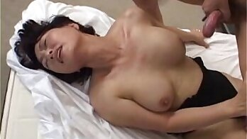 Blonde kurini knows how to handle a well endowed Asian dick