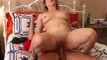 Amateur old mature fetish xxx Purse Snatcher Learns A Lávnie