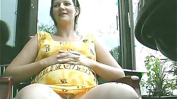 bundled tits and sunny setting in Germany while she was pregnant