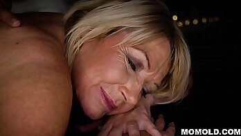 Milf Is Amazed By The Anal Massage!