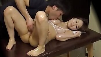 Amazing beauty enjoys full sex with her horny massage