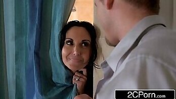 Cheating MILF wants his titfuck so i fuck her mouth during shower
