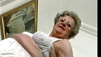 Amateur granny got fucked at public pool