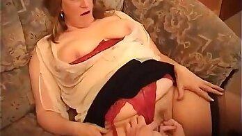 chubby grandma on hiddencam dildoed