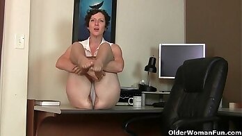 Cfnml milf licks moms hairy pussy