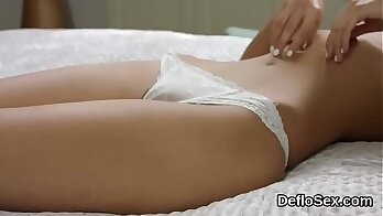 Elegan Brooks gets dirty with turns her cum