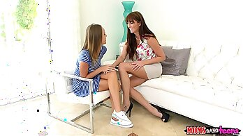 Milf mommy tries to fuck in threesome with teen couple